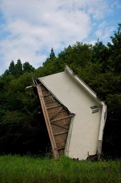 http://gianni-giosue.com/files/gimgs/th-15_Walk_Tohoku_Tsunami_-7-copy_v2.jpg